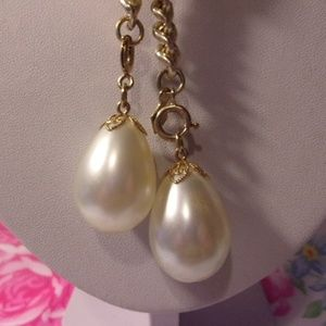 Sarah Coventry Faux Pearl Gold Tone Necklace